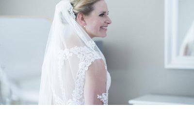 bruidsmake-up en bruidskapsel